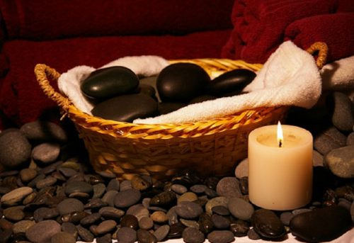 hot-stone-massage187493708